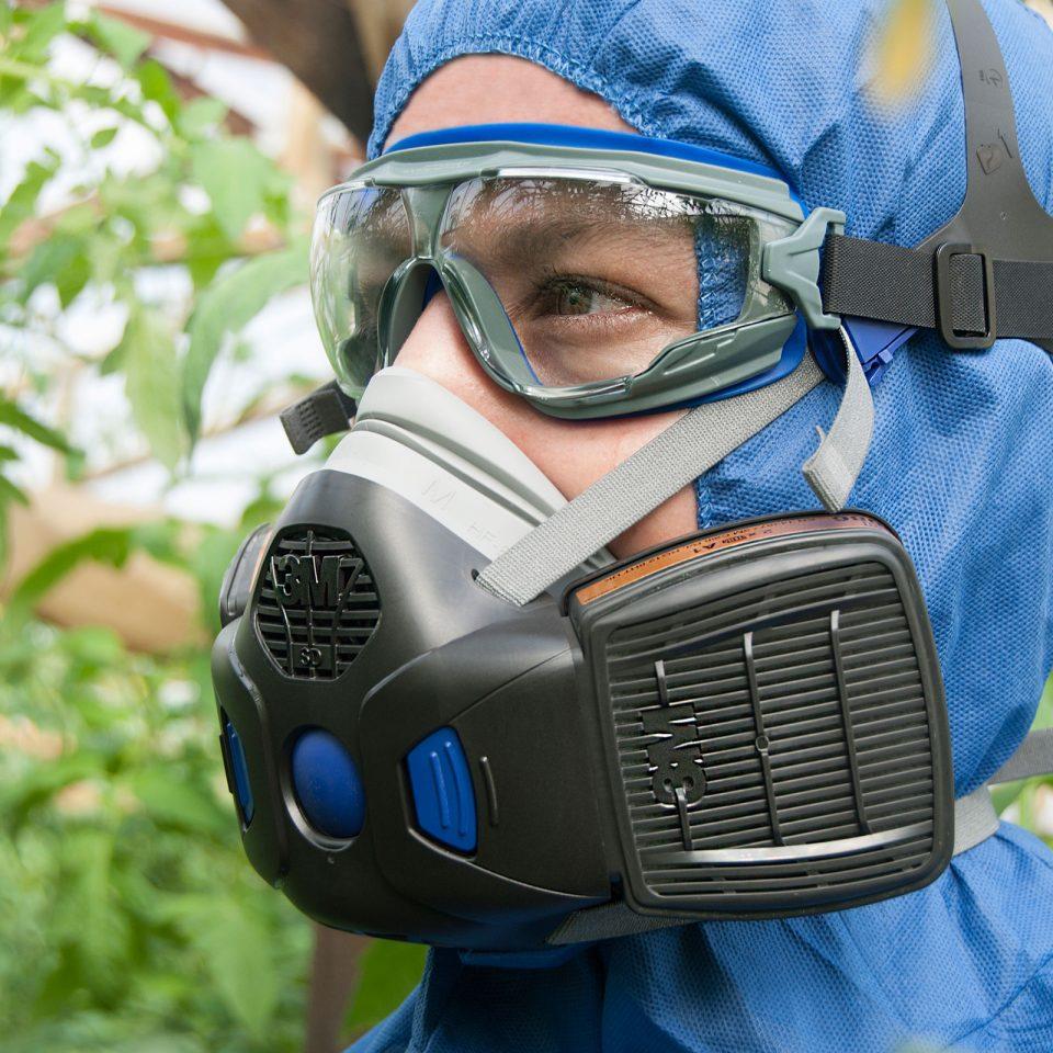 Μάσκα 3M HF802SD. Μισού προσώπου. Δέχεται 2 ανταλλακτικά φίλτρα αερίων – ατμών, Secure Click™.